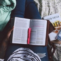 6 Ways Reading Stimulates and Enriches Your Life